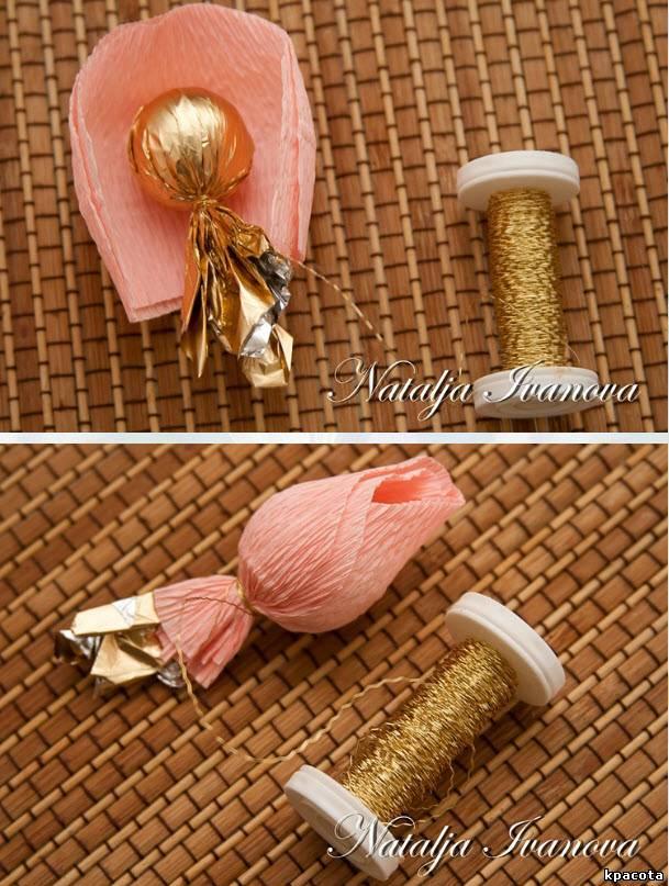 Бутоны розы из гофрированной бумаги своими руками с конфетами 211
